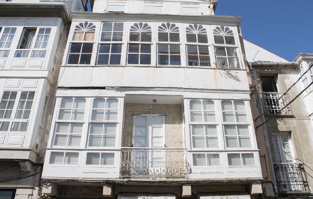 Piso en venta en Ferrol, A Coruña, Calle Carlos Iii, 20.000 €, 3 habitaciones, 1 baño, 82 m2
