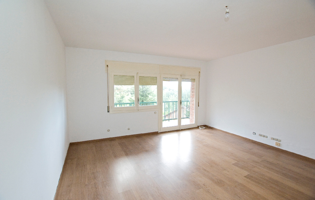 Piso en venta en Puig-reig, Barcelona, Calle Jardi, 66.000 €, 3 habitaciones, 1 baño, 98 m2