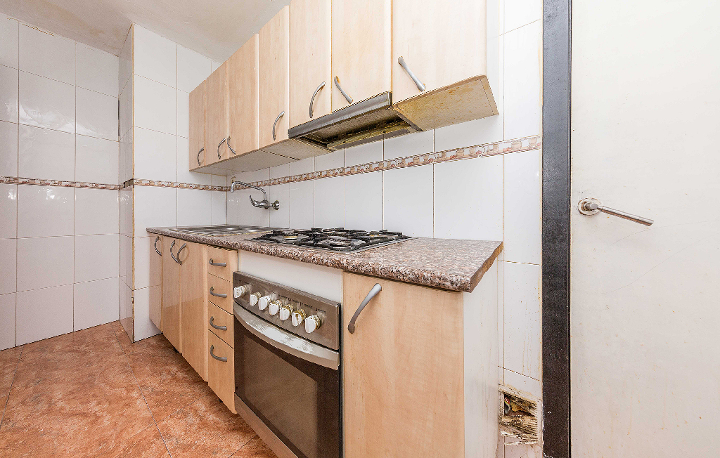 Local en venta en Santa Coloma de Gramenet, Barcelona, Calle San Ernesto, 50.000 €, 63 m2