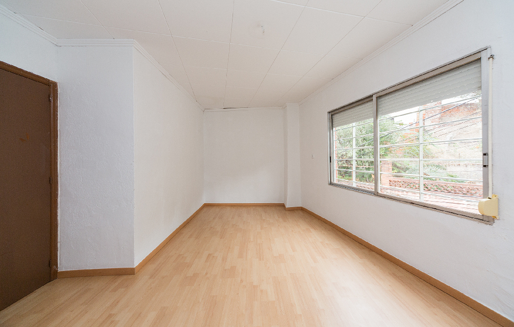 Casa en venta en Casa en Barcelona, Barcelona, 154.000 €, 3 habitaciones, 2 baños, 132 m2