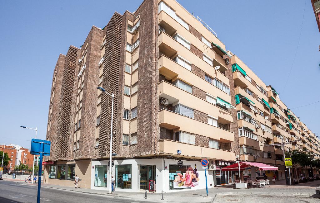Piso en venta en Molina de Segura, Murcia, Calle Tres D`abril, 52.000 €, 3 habitaciones, 2 baños, 91 m2
