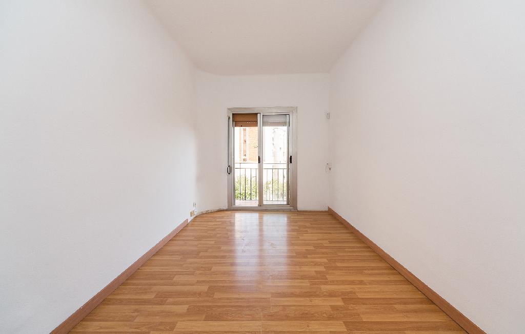 Piso en venta en Badalona, Barcelona, Calle Sant Joan de la Creu, 87.000 €, 3 habitaciones, 1 baño, 58 m2
