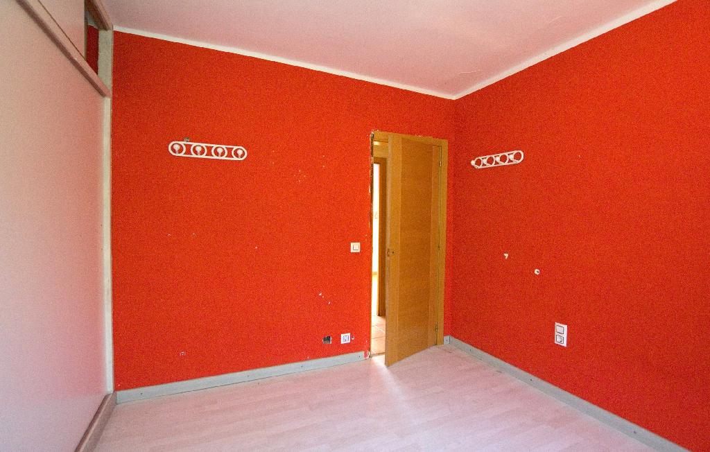Casa en venta en La Venta I Can Musarro, Piera, Barcelona, Calle Llesami, 93.500 €, 2 habitaciones, 2 baños, 163 m2