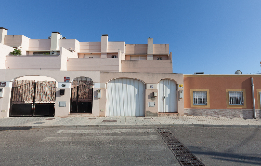 Casa en venta en Almería, Almería, Carretera de los Cortijillos, 79.000 €, 3 habitaciones, 2 baños, 182 m2