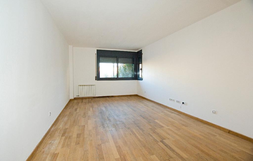 Piso en venta en Navàs, Barcelona, Calle Creueta, 89.500 €, 3 habitaciones, 2 baños, 112 m2