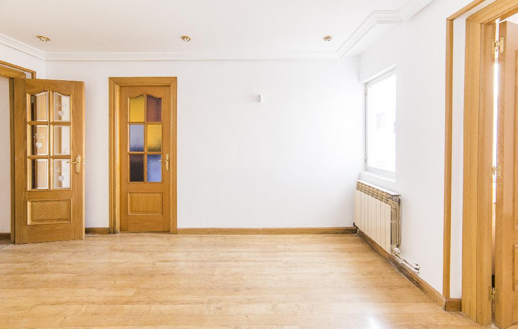 Piso en venta en Palencia, Palencia, Calle Estrada, 58.000 €, 3 habitaciones, 1 baño, 72 m2