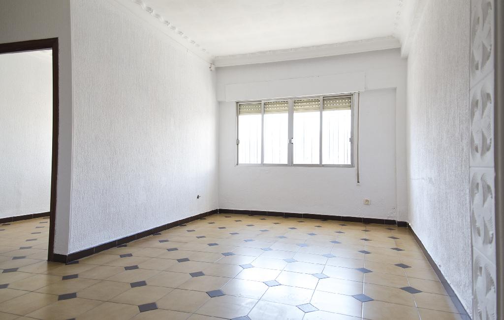 Piso en venta en Huelva, Huelva, Calle Costa Rica, 55.000 €, 3 habitaciones, 2 baños, 73 m2