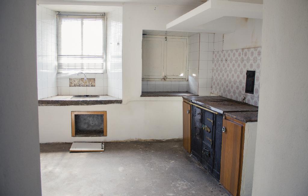 Casa en venta en Moeche, A Coruña, Lugar Salgueira-belcoy, 36.000 €, 3 habitaciones, 1 baño, 135 m2