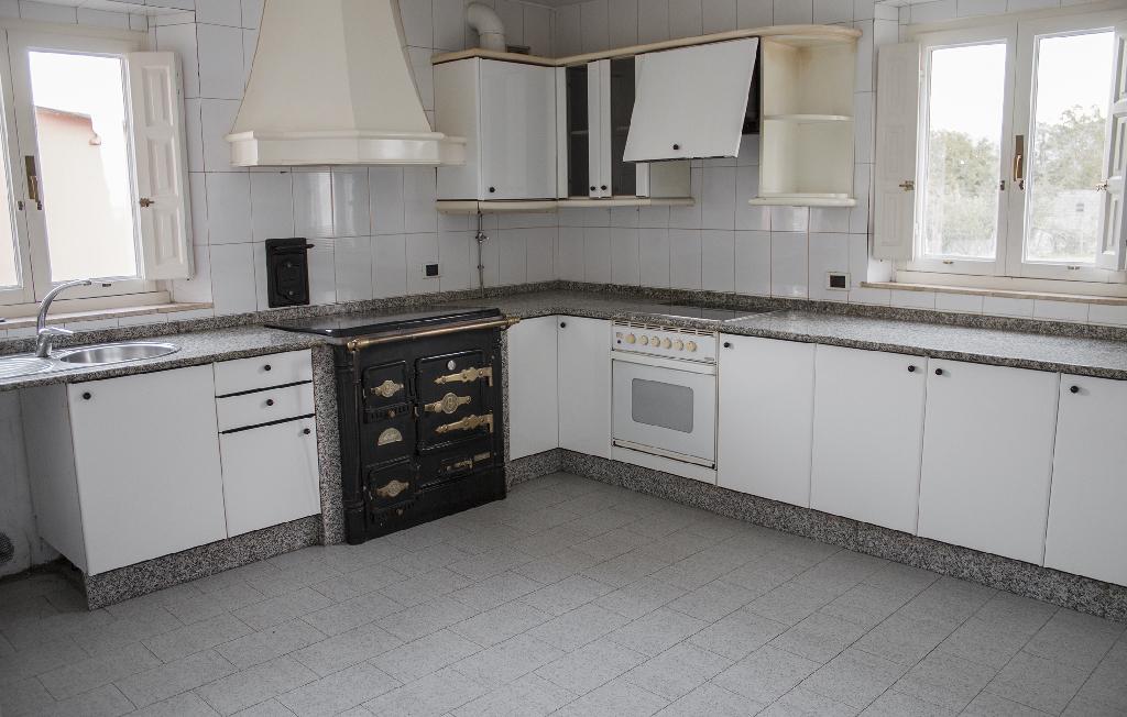 Piso en venta en O Valadouro, Lugo, Calle Veiga Do Pozo, 28.000 €, 3 habitaciones, 1 baño, 75 m2