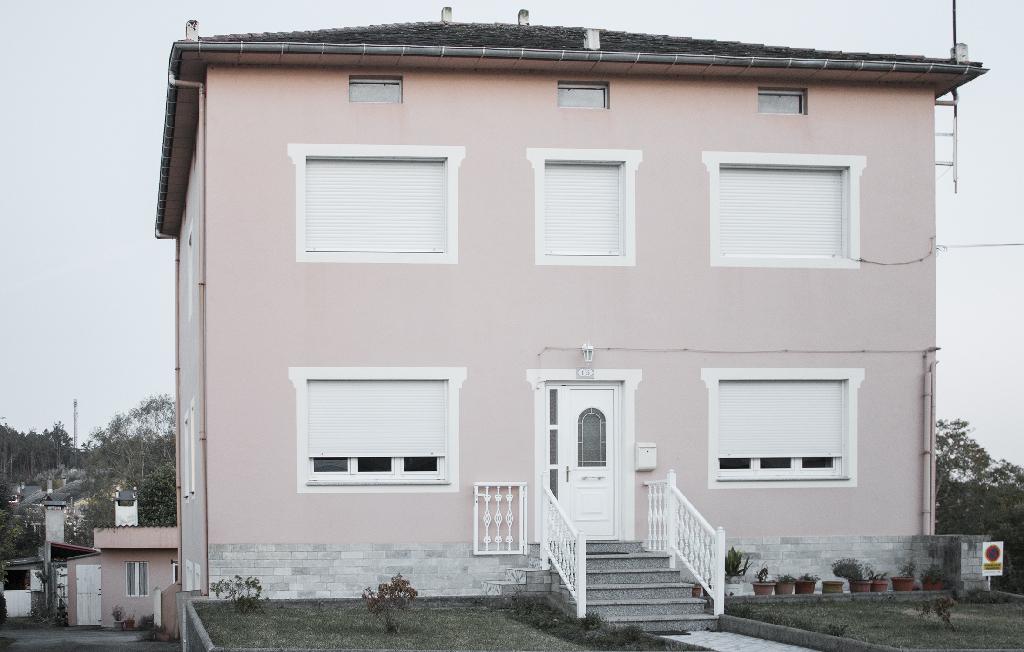 Piso en venta en O Valadouro, Lugo, Calle Veiga Do Pozo, 36.000 €, 3 habitaciones, 1 baño, 75 m2