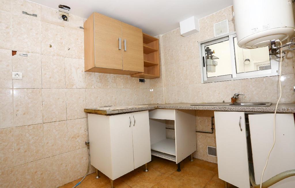 Piso en venta en Valencia, Valencia, Calle Pintor Orrente, 29.000 €, 3 habitaciones, 1 baño, 66 m2