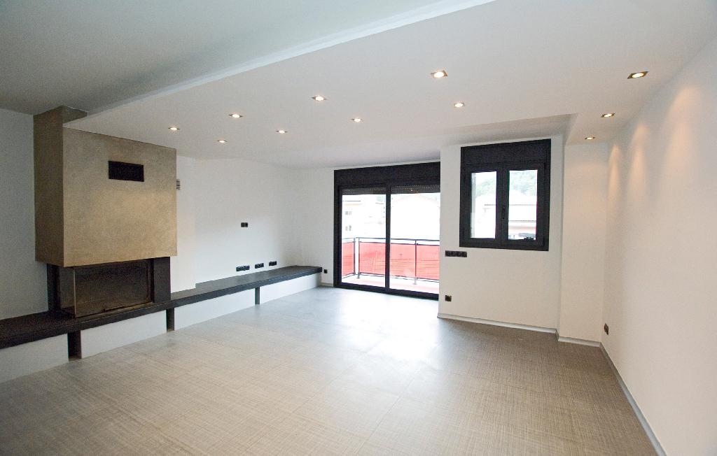 Piso en venta en Guardiola de Berguedà, Barcelona, Calle Moixero, 141.000 €, 3 habitaciones, 2 baños, 151 m2