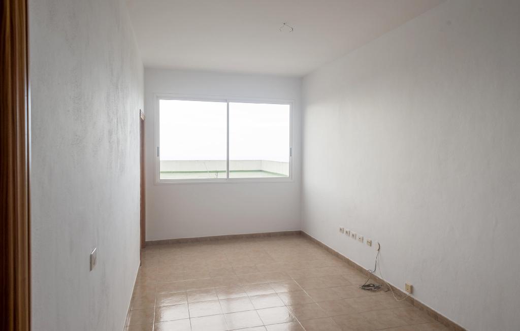 Piso en venta en Santa Úrsula, Santa Cruz de Tenerife, Calle Alcalde Alejo Perez, 81.000 €, 2 habitaciones, 1 baño, 108 m2