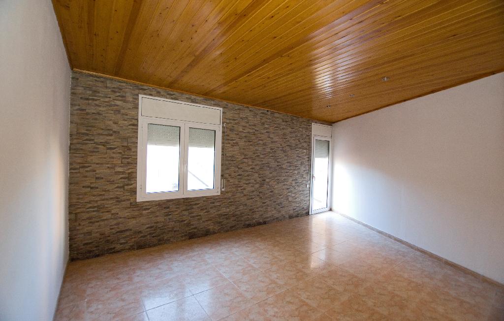 Casa en venta en Calaf, Barcelona, Calle de Manresa, 112.000 €, 1 habitación, 1 baño, 240 m2