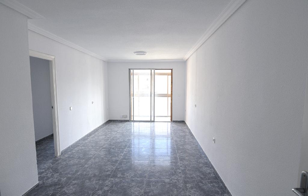 Piso en venta en Molina de Segura, Murcia, Calle Tres de Abril, 55.000 €, 3 habitaciones, 1 baño, 88 m2