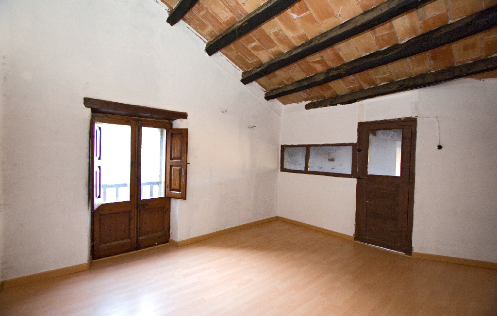 Casa en venta en Rupit I Pruit, Barcelona, Calle Barbacana, 206.000 €, 4 habitaciones, 3 baños, 275 m2