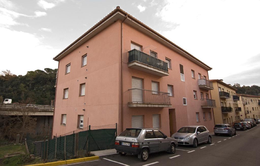 Piso en venta en Sant Martí de Centelles, Barcelona, Calle Nou, 72.500 €, 2 habitaciones, 1 baño, 54 m2