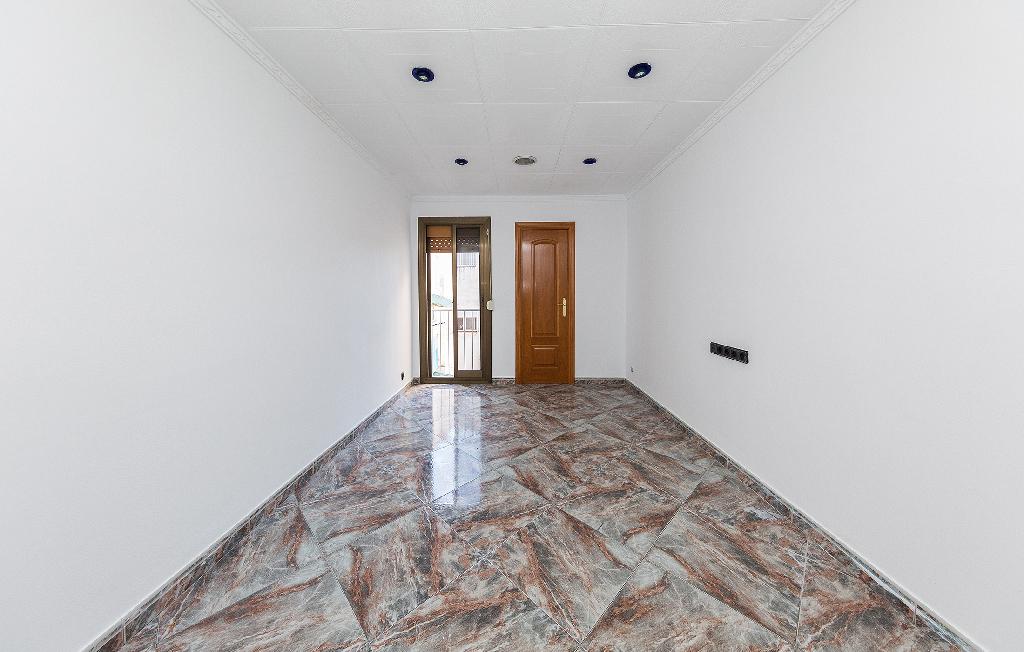 Piso en venta en Santa Coloma de Gramenet, Barcelona, Calle Rellotge, 109.500 €, 3 habitaciones, 1 baño, 60 m2