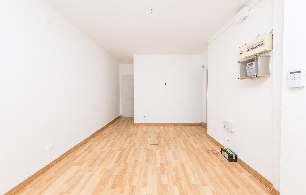 Piso en venta en Barcelona, Barcelona, Calle Travau, 82.000 €, 1 habitación, 1 baño, 37 m2