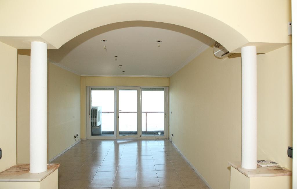 Piso en venta en Baiona, Pontevedra, Avenida Monterreal, 190.000 €, 2 habitaciones, 2 baños, 89 m2