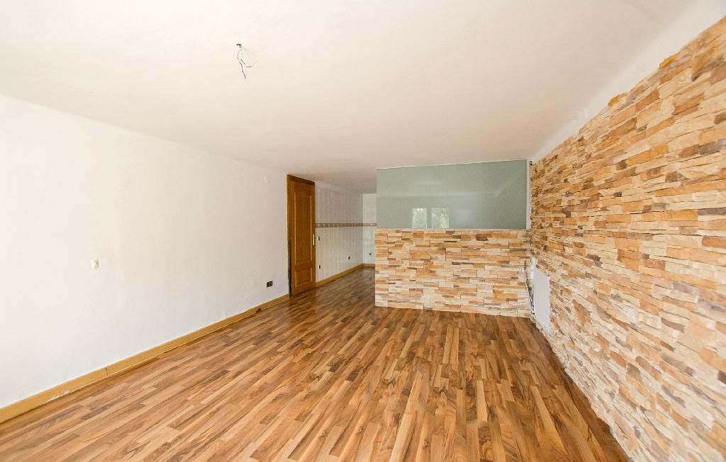 Casa en venta en Piera, Barcelona, Calle Londres, 161.000 €, 4 habitaciones, 1 baño, 143 m2