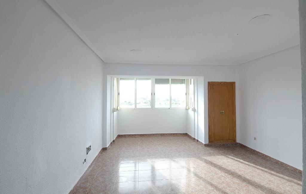 Piso en venta en Cartagena, Murcia, Calle Belchite, 45.000 €, 3 habitaciones, 1 baño, 89 m2