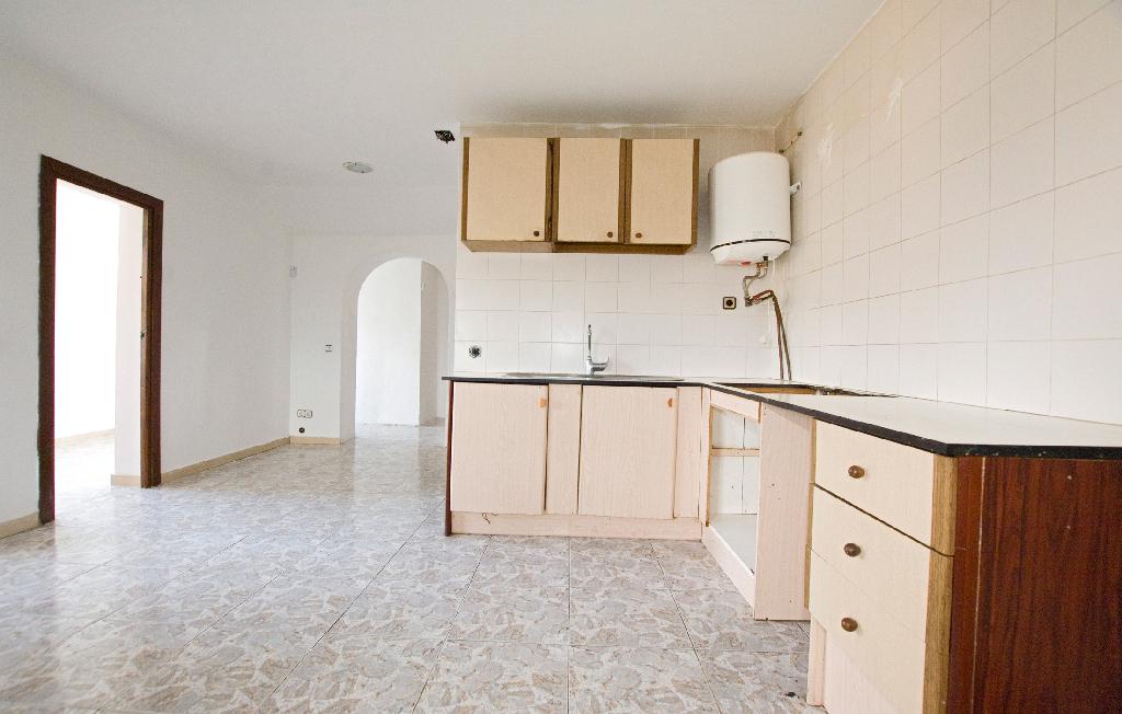 Casa en venta en La Venta I Can Musarro, Piera, Barcelona, Calle Lliri, 138.000 €, 1 habitación, 1 baño, 123 m2