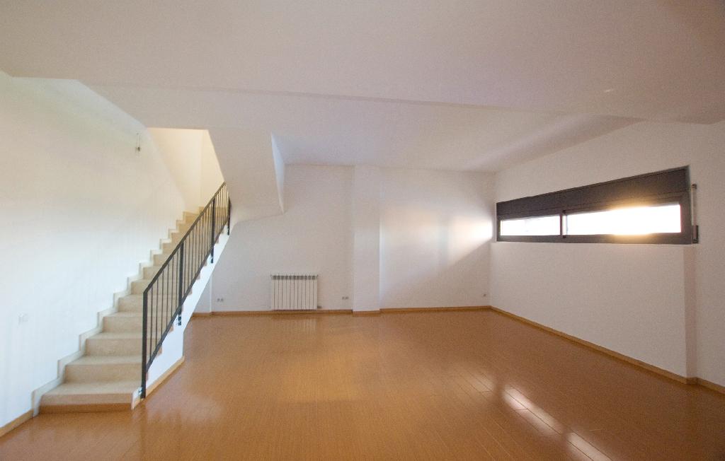 Piso en venta en Gelida, Barcelona, Calle Moli Nou, 213.000 €, 3 habitaciones, 2 baños, 95 m2