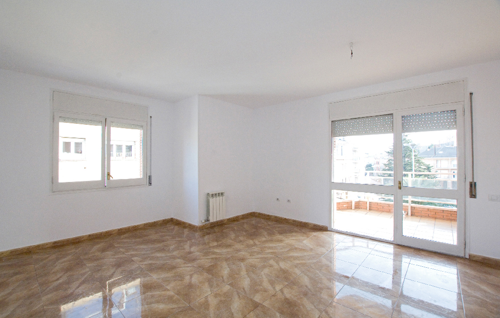 Piso en venta en Sant Joan de Vilatorrada, Barcelona, Avenida America, 116.500 €, 4 habitaciones, 1 baño, 98 m2