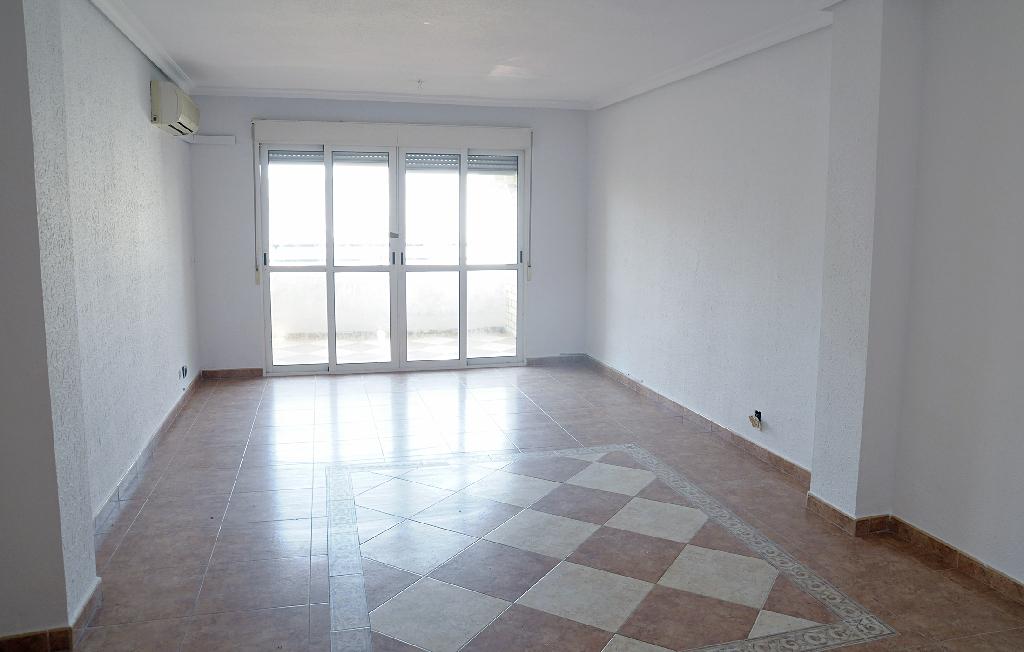 Piso en venta en Águilas, Murcia, Calle Hospital, 114.500 €, 4 habitaciones, 2 baños, 139 m2