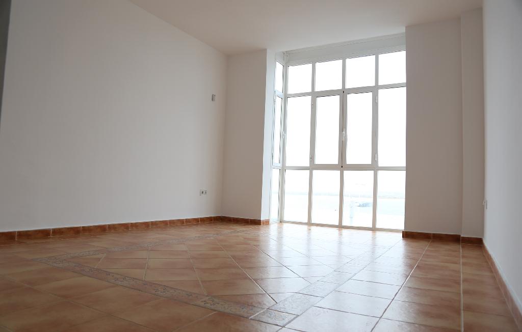 Piso en venta en Ayamonte, Huelva, Avenida Antonio Concepcion Rebour, 93.500 €, 2 habitaciones, 1 baño, 83 m2