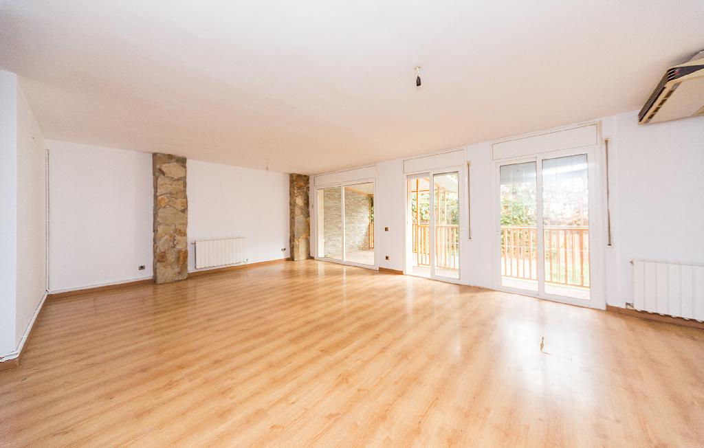 Piso en venta en Sant Pere de Ribes, Barcelona, Calle Juan Maragall, 230.500 €, 3 habitaciones, 2 baños, 136 m2