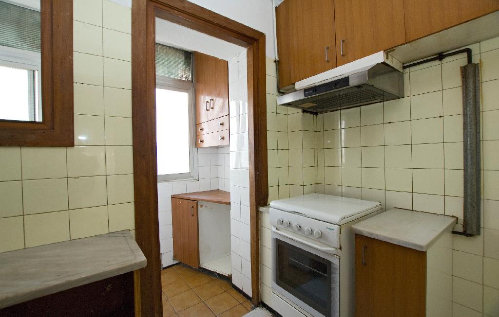 Piso en venta en El Remei, Vic, Barcelona, Calle Mare de Deu del Pilar, 65.000 €, 3 habitaciones, 1 baño, 75 m2