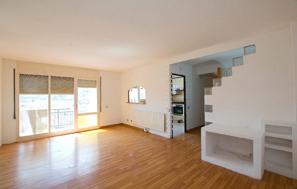 Piso en venta en Sallent, Barcelona, Calle Verge del Pilar, 81.500 €, 3 habitaciones, 1 baño, 98 m2