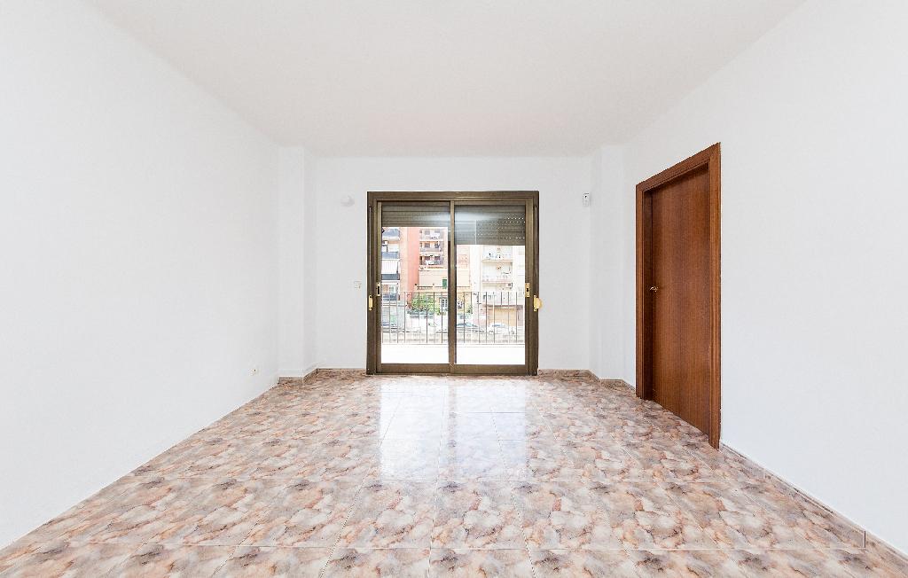Piso en venta en Sant Vicenç Dels Horts, Barcelona, Calle Doctor Rafael Lagunilla, 127.000 €, 3 habitaciones, 1 baño, 60 m2