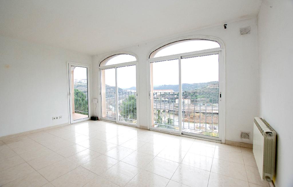 Piso en venta en Manresa, Barcelona, Calle Sant Bartomeu, 84.000 €, 2 habitaciones, 1 baño, 106 m2