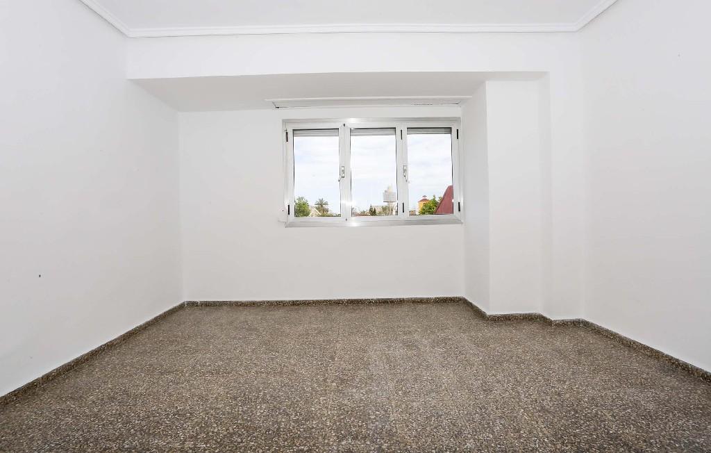 Piso en venta en Valencia, Valencia, Calle Ifach, 48.000 €, 2 habitaciones, 1 baño, 76 m2