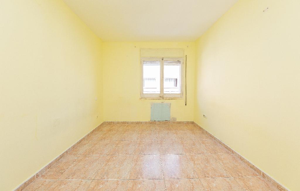 Piso en venta en Badalona, Barcelona, Calle Mare de Deu de Pompeia, 100.000 €, 1 habitación, 1 baño, 53 m2