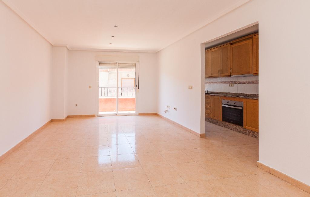 Piso en venta en Almoradí, Alicante, Calle San Emigdio, 80.000 €, 3 habitaciones, 2 baños, 108 m2