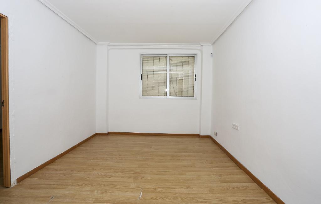 Piso en venta en Valencia, Valencia, Calle Daroca, 38.500 €, 3 habitaciones, 1 baño, 63 m2