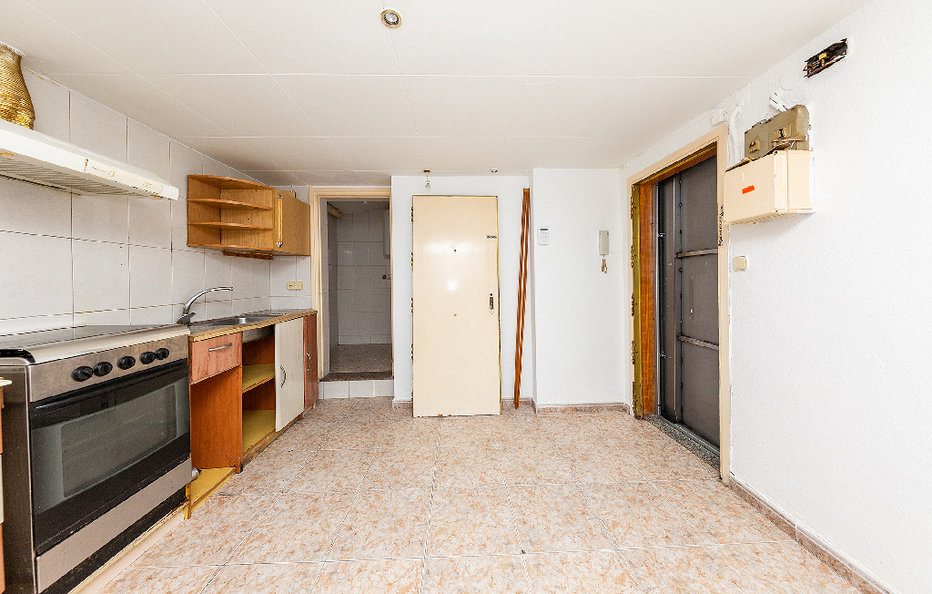 Piso en venta en Barcelona, Barcelona, Calle Beret, 63.000 €, 1 baño, 36 m2