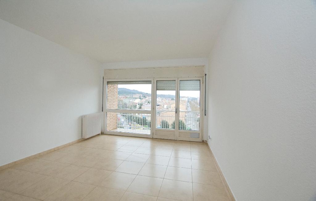 Piso en venta en Navàs, Barcelona, Calle Germans Pons, 169.500 €, 4 habitaciones, 1 baño, 191 m2