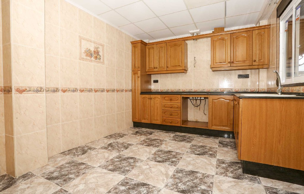 Casa en venta en Onda, Castellón, Calle Ruperto Chapi, 187.000 €, 4 habitaciones, 4 baños, 265 m2