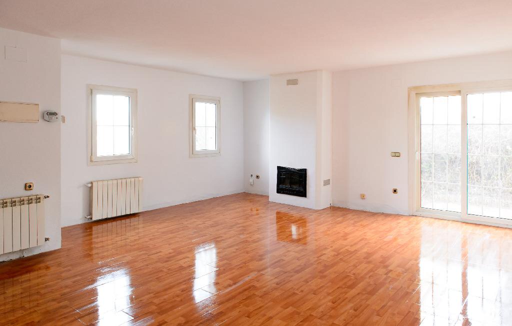 Casa en venta en El Casar, Guadalajara, Calle Rio Torote, 204.000 €, 3 habitaciones, 2 baños, 183 m2