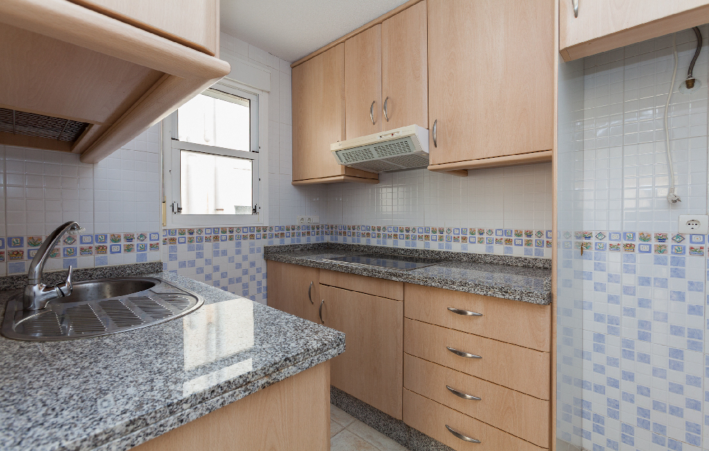 Piso en venta en Gran Alacant, Santa Pola, Alicante, Avenida Pais Valenciano, 111.000 €, 3 habitaciones, 2 baños, 68 m2