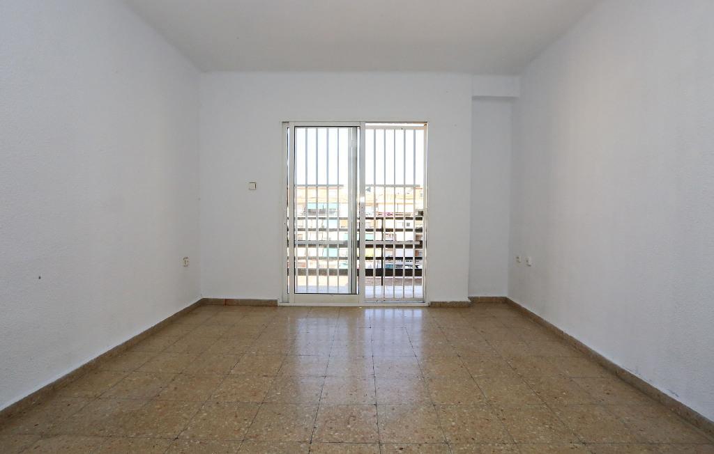Piso en venta en Rascanya, Valencia, Valencia, Calle Padre Viñas, 74.000 €, 3 habitaciones, 1 baño, 78 m2
