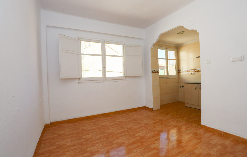 Piso en venta en Valencia, Valencia, Calle Marco Merenciano, 54.000 €, 3 habitaciones, 1 baño, 58 m2