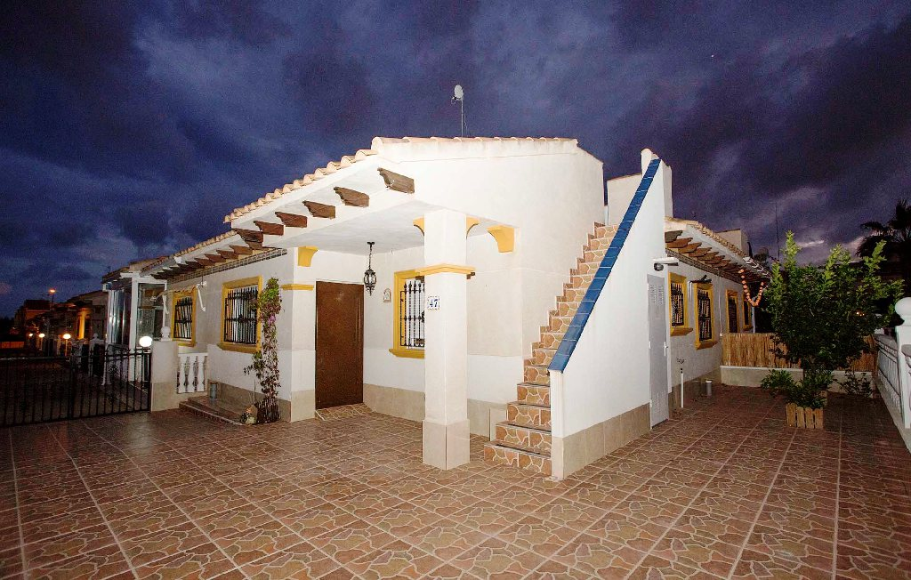 Casa en venta en Orihuela Costa, Orihuela, Alicante, Calle Flamenca Sur, 122.000 €, 2 habitaciones, 1 baño, 62 m2