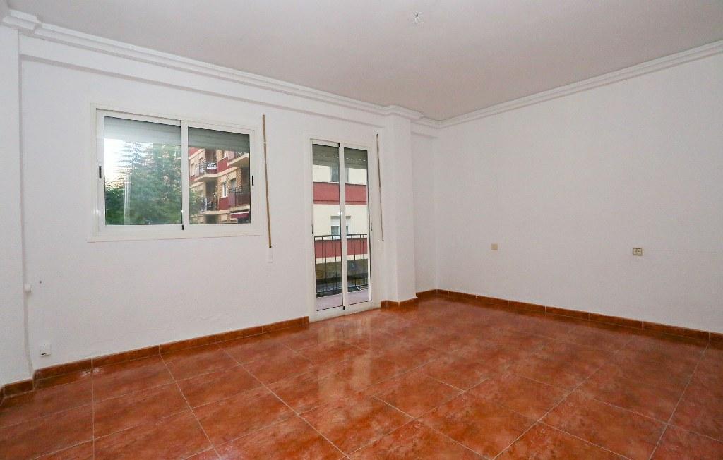 Piso en venta en Gandia, Valencia, Calle Primero de Mayo, 45.000 €, 3 habitaciones, 1 baño, 82 m2