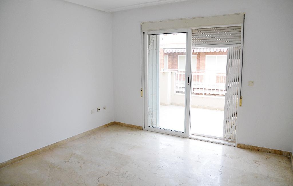 Piso en venta en Torrevieja, Alicante, Calle Radio Murcia, 160.000 €, 4 habitaciones, 2 baños, 110 m2